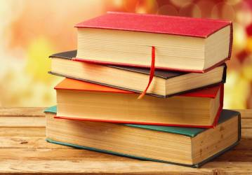 books-bokeh-hd-wallpaper